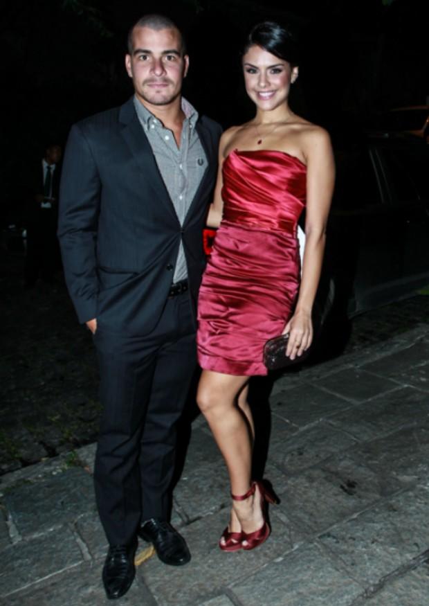 Thiago Martins e Paloma Bernardi (Foto: Marcello Sá Barretto / AgNews)