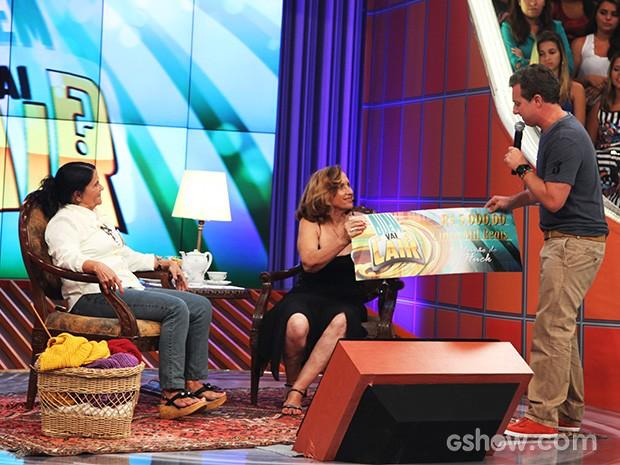 Ana Maria foi a mais antenada no 'Quem Vai Cair?' e levou R$5 mil! (Foto: Caldeirão do Huck/TV Globo)