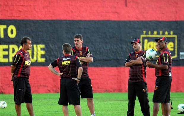 vágner mancini comissão técnica do sport (Foto: Aldo Carneiro / Pernambuco Press)