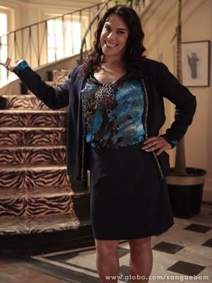 O que a Mulher Pau de Jacú estaria fazendo na mansão de Bárbara? (Foto: Sangue Bom/TV Globo)