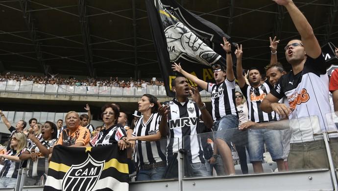 Torcida do Atlético-MG também marcou presença no Mineirão (Foto: Douglas Magno)