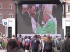 Fiéis lotam a Praça São Pedro para canonização de dois papas