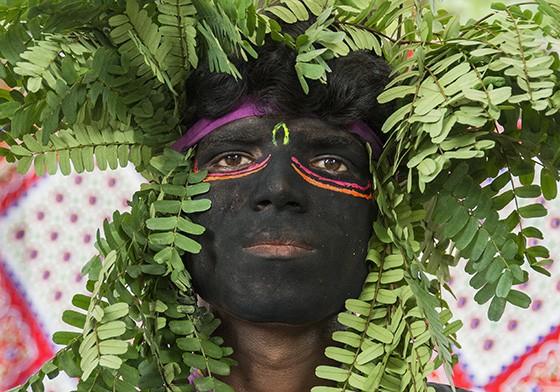 O festival Gavari relata diferentes histórias do Rajastão. Em vários contos aparecem bandidos que vivem nas florestas  (Foto: © Haroldo Castro/Época)