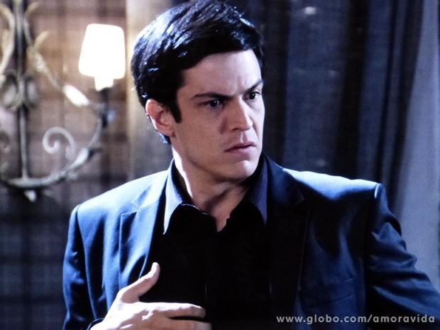 Félix perde as estribeiras ao saber que Eron pediu para voltar com Niko (Foto: Amor à Vida / TV Globo)