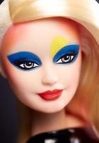 Maquiadora de Kim Kardashian faz transformação exótica em boneca