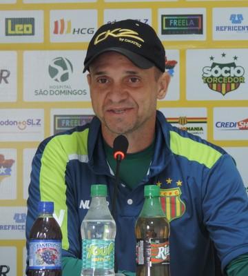 Wagner Lopes fala sobre maneira de jogo dos times do técnico Fernando Diniz (Foto: Vinícius Bogéa / Sampaio)