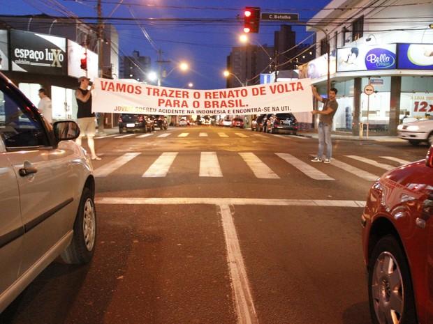 Pedágio solidário deve ocorrer até domingo nas principais ruas da cidade (Foto: Fabio Rodrigues/G1)