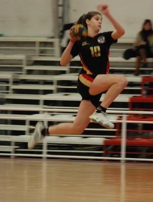 Elke Karsten ainda menina, jogando pelo Clube Alemão de Quilmes (Foto: Reprodução/Facebook)