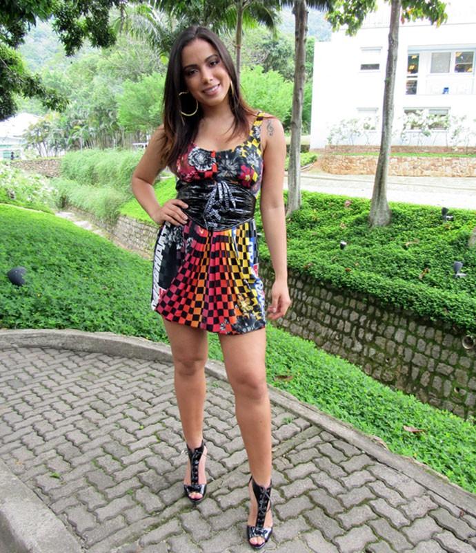 Anitta, nos bastidores do 'Encontro', conta sobre relacionamento no Olá Lair (Foto: Carolina Morgado/Gshow)