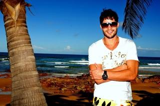 André Martinelli posa para o EGO na Costa do Sauípe (Foto: Roberto Teixeira / EGO)