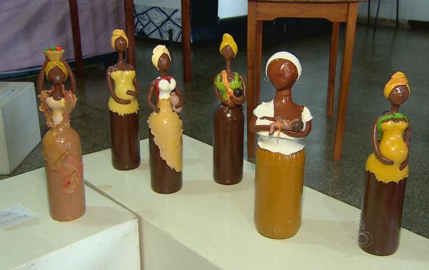 Bonecas representam milhares de amapaneses (Foto: Amapá TV)