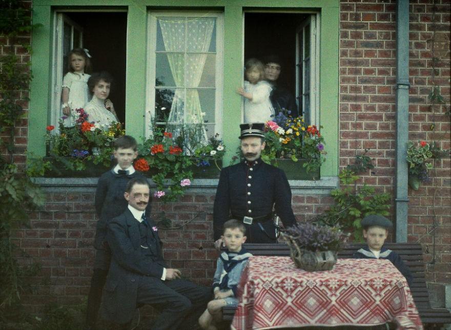 Retrato de família tirado na Bélgica, em 1913 (FOTO: REPRODUÇÃO)