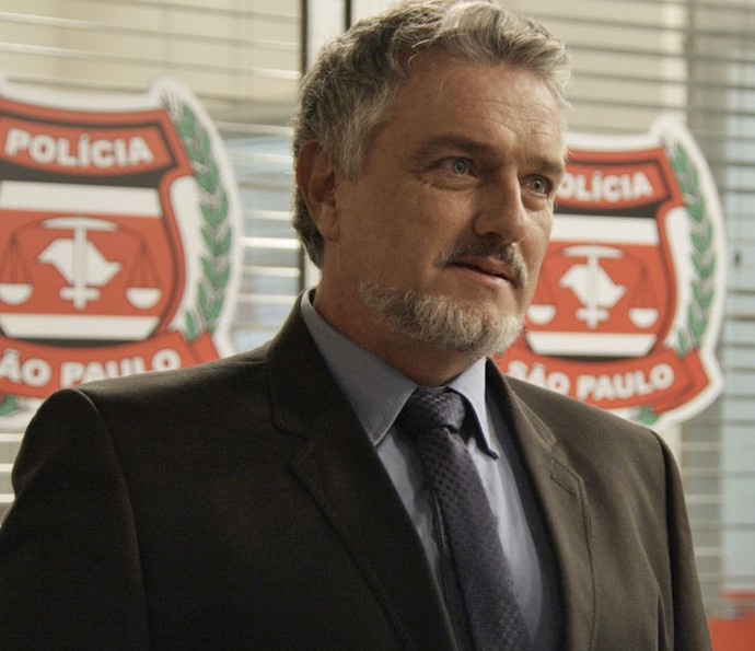 Guido fica emocionado ao reencontrar a filha (Foto: TV Globo)