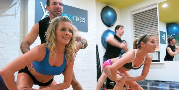exercicios bumbum eu atleta (Foto: Bebel Clark )