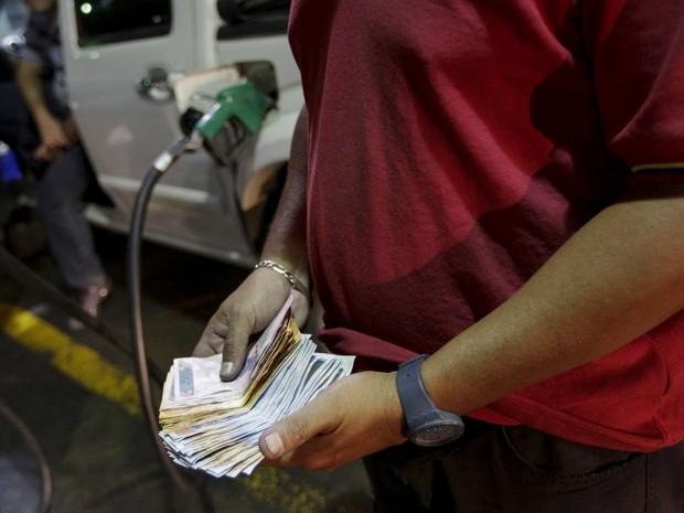 Inflação na Venezuela passou de 180% em 2015. (Foto: Reuters)