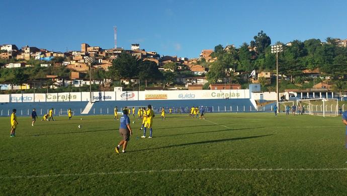 Bola aérea foi bastante treinada pelos jogadores (Foto: Augusto Oliveira / GloboEsporte.com)