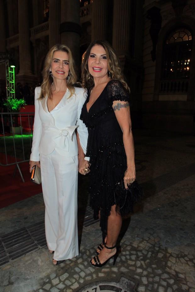 Maitê Proença e Elba Ramalho  (Foto: Marcello Sá Barretto e Anderson Borde / Agnews)