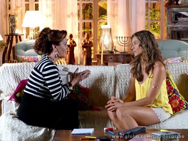 Guiomar pede para Ester voltar a morar na mansão dos Albuquerque (Foto: Flor do Caribe / TV Globo)
