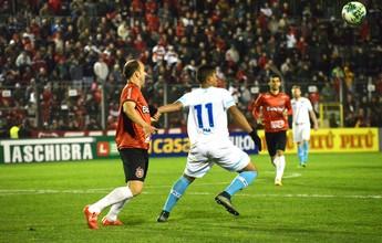 Com três gols em 19 minutos, Brasil de Pelotas bate o Avaí e cola no G-4