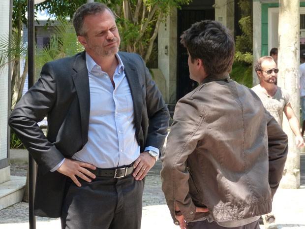 Finalmente o Vitor entregou o Sal, hein!!!! (Foto: Malhação / Tv Globo)