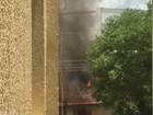 Velas causam incêndio e chamas atingem três cômodos de casa