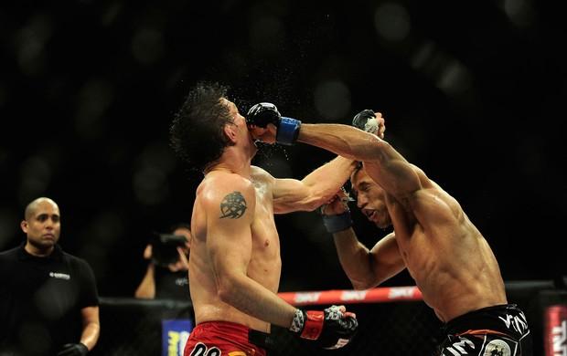 Hacran Dias x Darren Elkins, MMA, UFC (Foto: Marcos Ribolli)