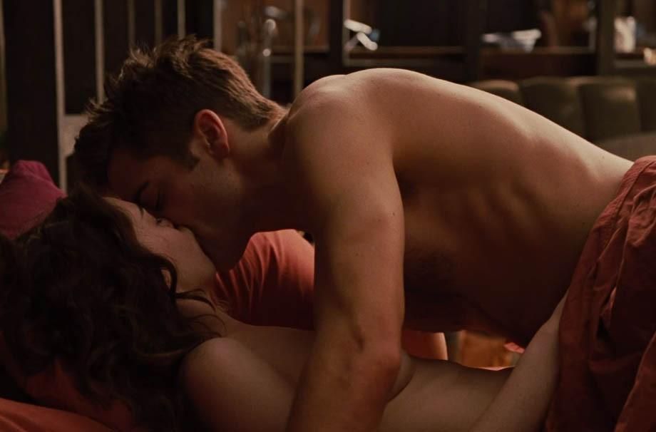 lingerie vermelha sexo no cinema