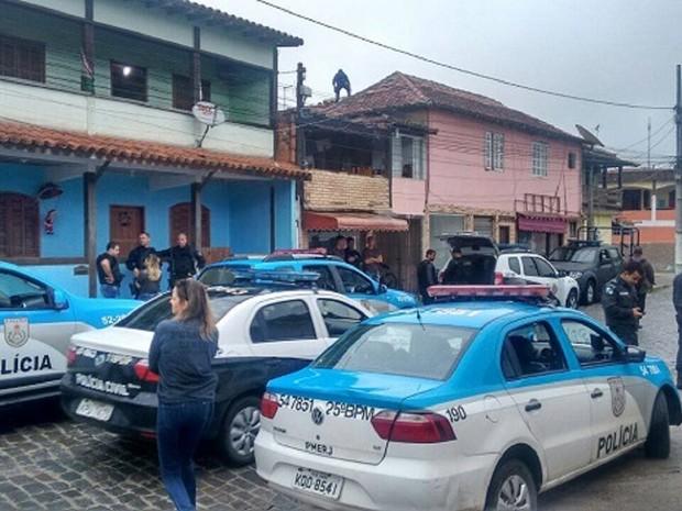 Operação acontece em Cem Braças, Tucuns e Rasa nesta sexta-feira (Foto: PM/Divulgação)