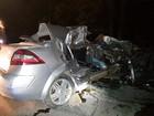 Família morre ao colidir carro contra carreta na BR-470 no Vale do Itajaí