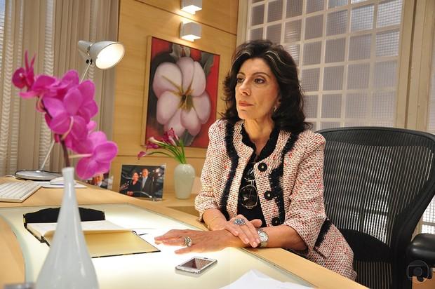Marília Pêra em cena da série A Vida Alheia, de 2010 (Foto: TVGlobo / Divulgação)