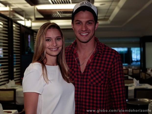 Rômulo Estrela e a esposa (Foto: Felipe Monteiro / TV Globo)