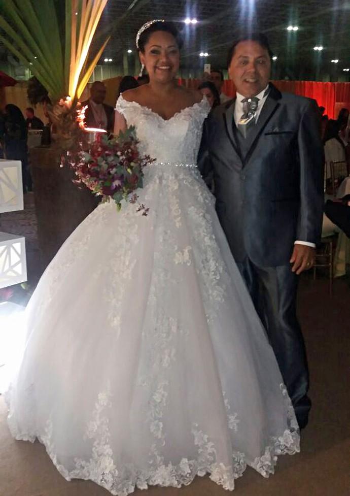 Elis e Luiz se casam em Feira de Noivas no RioCentro (Foto: Gshow)