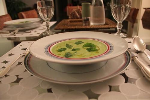 Sopa Fria de Ervilhas e Pepino