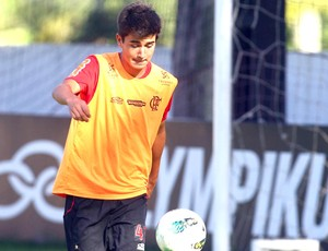 Mattheus, treino do Flamengo (Foto: Bernardo Monteiro / VipComm)