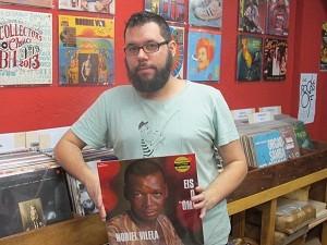 Márcio Custódio organiza a feira de discos desde 2011 (Foto: Leonardo Neiva/G1)