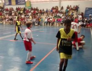 Partidas aconteceram no ginásio do Colégio Dom Bosco (Foto: Ádison Ramos/TV Rio Sul)