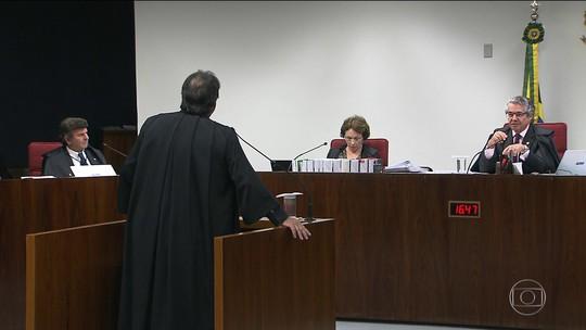 STF adia decisão sobre pedido de prisão e afastamento do mandato de Aécio Neves