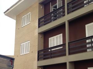 Criança caiu de terceiro andar de hotel (Foto: Roberta Salinet/RBS TV)