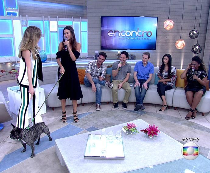Thaila conta que tem guarda compartilhada de cão com Paulo Vilhena (Foto: TV Globo)