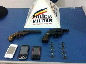 Apreensão Polícia Militar Juiz de Fora (Foto: Polícia Militar/Divulgação)