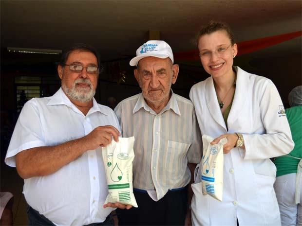 Pesquisadores da USP de Ribeirão Preto concluiram testes do leite com idosos. (Foto: Eduardo Guidini/ EPTV)