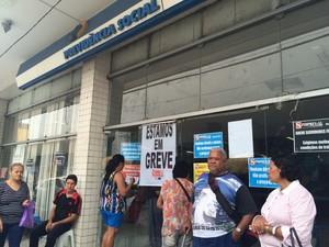 Usuarios dizem que serviços essenciais não estão sendo realizados (Foto: Carolina Sanches/G1)