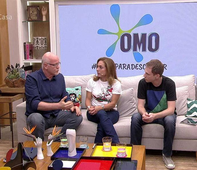 Daniel Becker conversa com Cissa e Tiago (Foto: TV Globo)