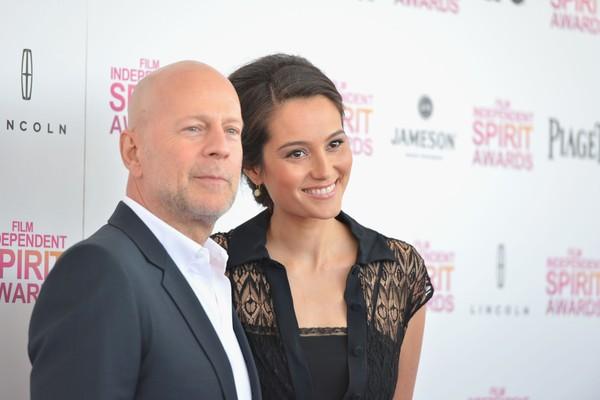 Bruce Willis e a modelo/atriz Emma Heming estão casados há cinco anos e têm dois filhos juntos. A diferença de idade entre eles é de 19 anos. (Foto: Getty Images)