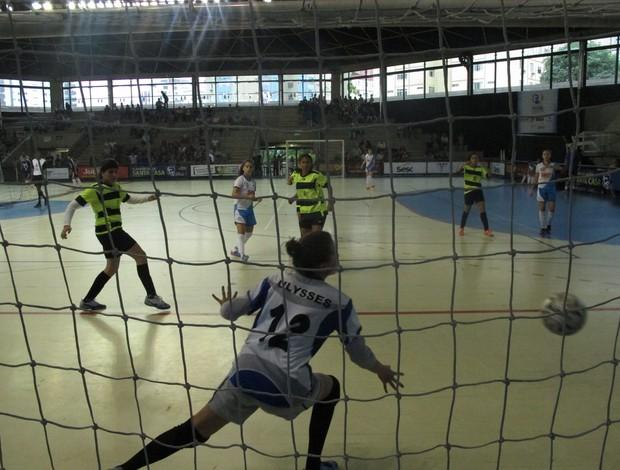 Fernanda, goleira do Ulysses Guimarães - Copa Tv Tribuna (Foto: Antonio Marcos)