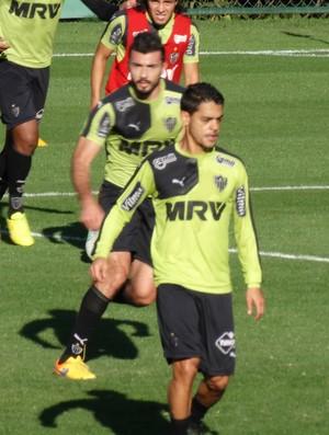 Dátolo e Josué Atlético-MG (Foto: Fernando Martins)