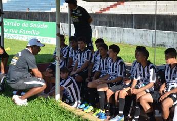 Jogadores sub-17 São Raimundo (Foto: Gustavo Campos/GloboEsporte.com)
