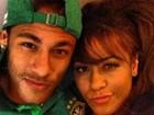Neymar posa para foto com a irmã