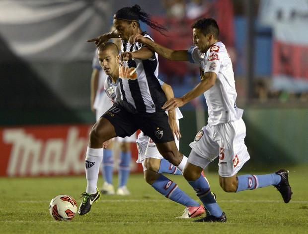 Ronaldinho, Arsenal Sarandi x  Atlético-MG (Foto: AFP)