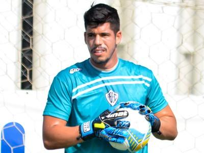 Cléber Alves goleiro Rio Branco-SP (Foto: Sanderson Barbarini / Foco no Esporte)
